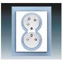 Zásuvka dvojnásobná s ochr. kolíky, s clonkami, s natočenou dutinou bílá/ledová modrá 5513M-C02357 41 ABB Neo®