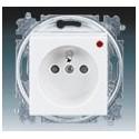 Zásuvka jednonásobná s ochranou před přepětím bílá/ledová bílá ABB Levit 5599H-A02357 01